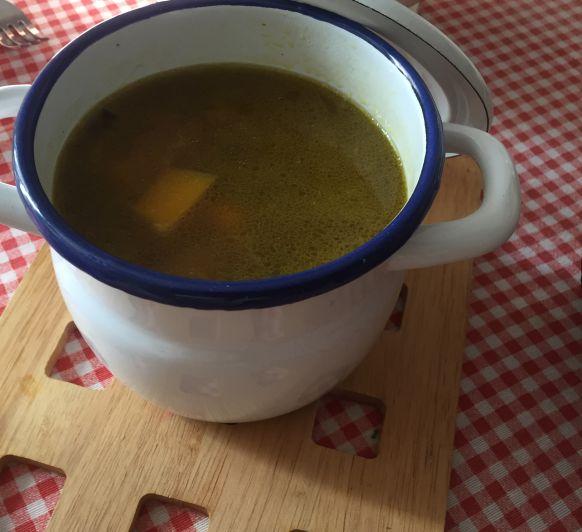 Sopa de verduras especiada